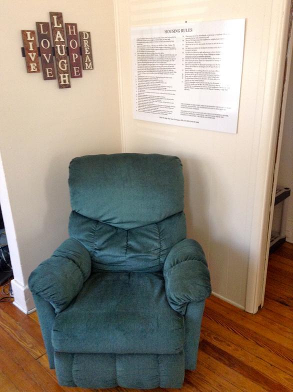 19310 chair.jpg